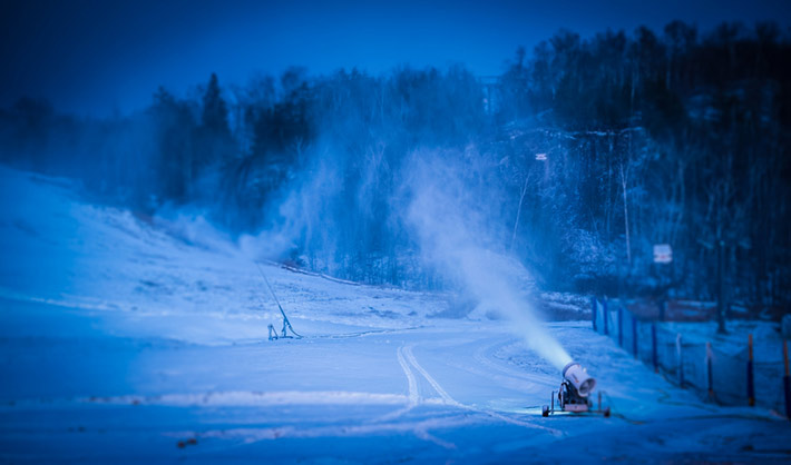 snowmaking-dec13-3